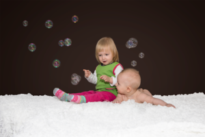 Kinderfotos: Anna, 2 Jahre & Johannes, 5 Monate